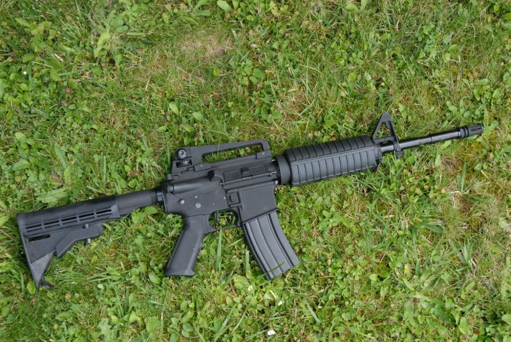colt-m4a1-carbine-cybergun-airsoft-4.JPG