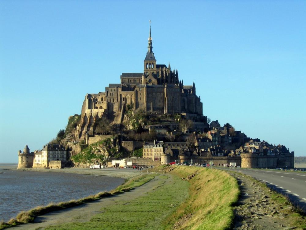 Mont_Saint-Michel_en_gros_plan1-1024x768.jpg