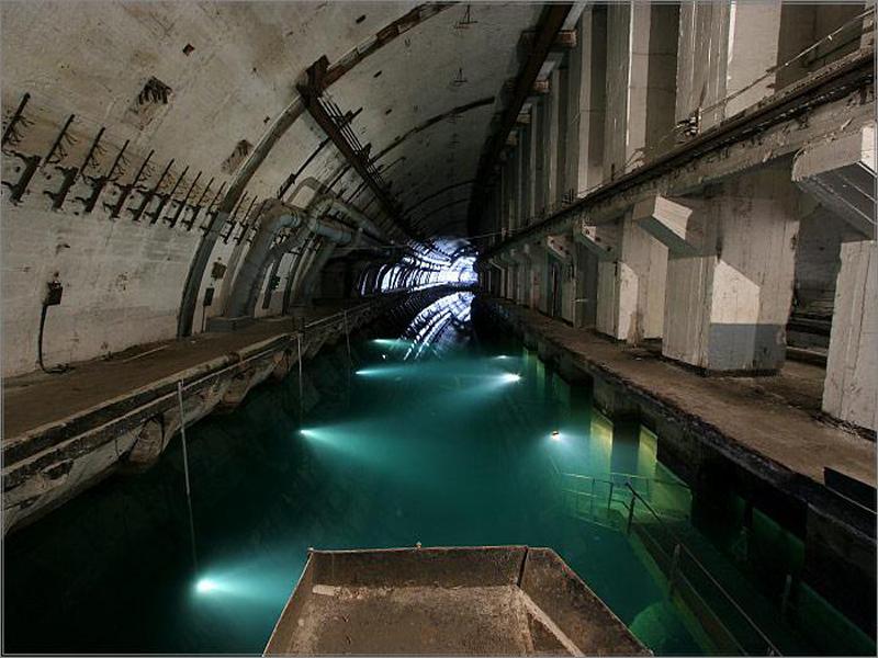 balaklava-baza-podvodnych-lodok-foto.jpg.ef50e08efa3b736f1fb6895d930ad3e3.jpg