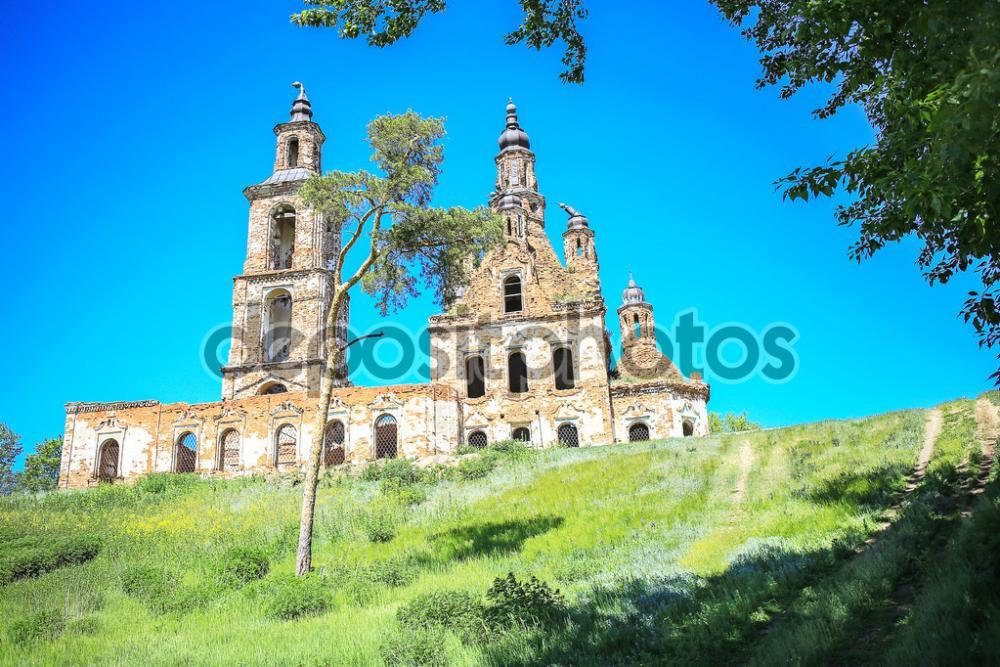 depositphotos_63338699-stock-photo-old-destroyed-brick-church.thumb.jpg.e4b05e18614aa562e5a32399f13b2dbb.jpg