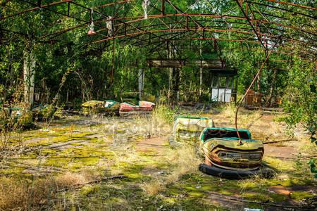 depositphotos_95659590-stock-photo-abandoned-amusement-park-in-pripyat.jpg.b58432eb644ad52bcc53c3d37eea5e99.jpg