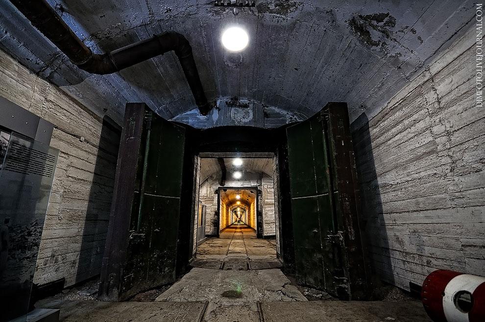 podzemnaya-baza-podvodnyx-lodok-v-balaklave-14.jpg.a7cda1309d0038247d3f86173adb5458.jpg