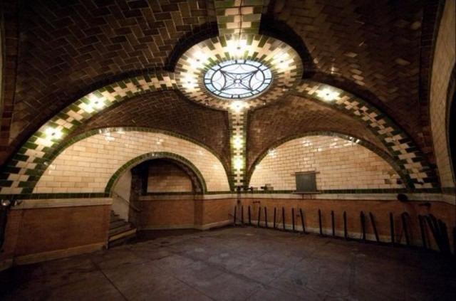 City-Hall-station-2-640x423.jpg.ec6374b2df3d96d2bef74a7b5e7ac210.jpg