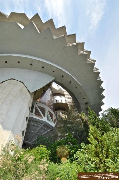 druzhba-sanatorium-yalta-uk4raine.thumb.jpg.0f970e1421c3be9bce3b15d9396663af.jpg