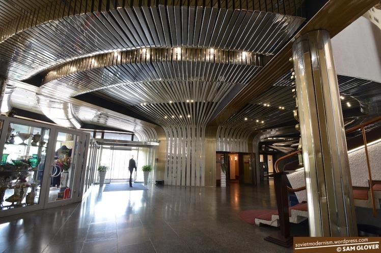 hotel-salyut-kiev-ukraine-6.jpg.6c65708e5c39291f2322810d43ec381e.jpg